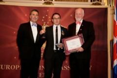 "Венцислав Георгиев получи престижната Оксфордска награда ""Най-добрите компании"""
